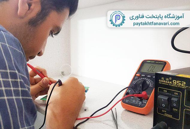 آموزش-تعمیرات-برد-الکترونیکی