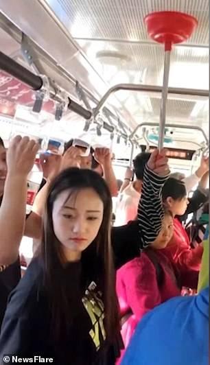 راهکار-جالب-در-اتوبوس