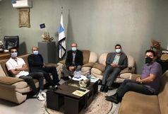 بازدید روسای میزقطر و عمان و اتاق بازرگانی بندرعباس از کارخانه تن ماهی در حومه بندرلنگه