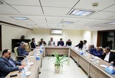 نشست نماینده وزیر امور اقتصادی و دارایی در هرمزگان با مجمع فعالین اقتصادی