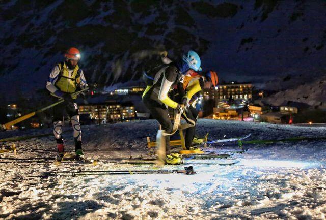 جشن انقلاب در پیست اسکی دیزین برگزار شد