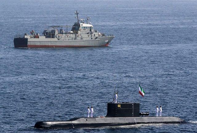 لنج ایرانی توسط نیروی دریایی ارتش امدادرسانی شد