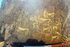 کشف نقوش باستانی صخره ای و یک تپه عصر ساسانی در بخش میمه