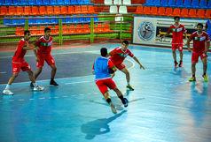 یک بازیکن و یک مربی خوزستانی در اردوی تیم ملی جوانان