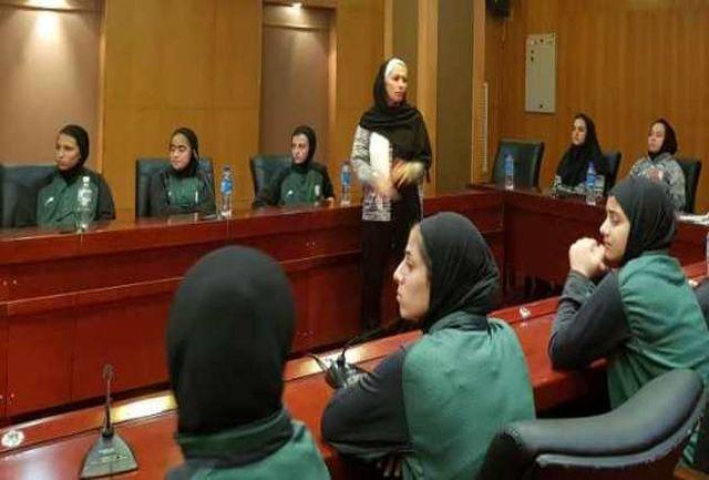 نشست کادر فنی با فوتبالیستهای جوان برگزار شد