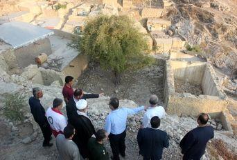 بازدید میدانی فرماندار مسجدسلیمان از مناطق زلزله زده