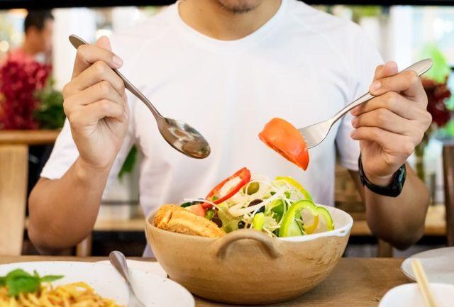 کدام خوراکیها باعث چاقی و لاغری صورت میشود؟