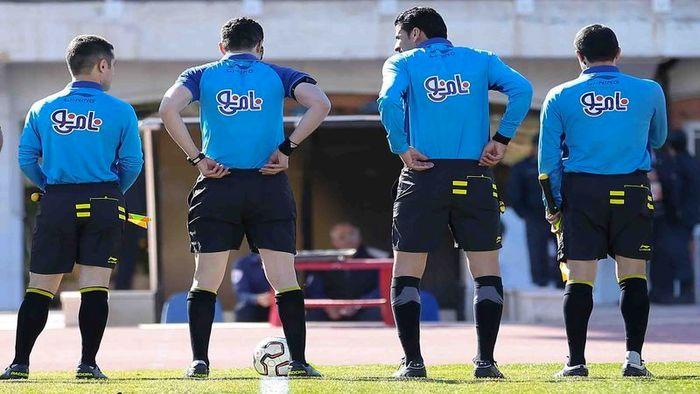 دوره توجیهی نیم فصل داوران لیگ برتر فوتبال برگزار میشود