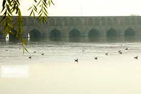 هوای اصفهان در آخرین روز سال نارنجی شد