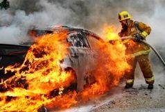 آتش گرفتن خودرو در محور زیاران، مصدوم را به کام مرگ کشاند