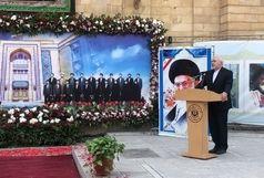 ادای احترام ظریف و معاونین به مقام شهدای وزارت خارجه