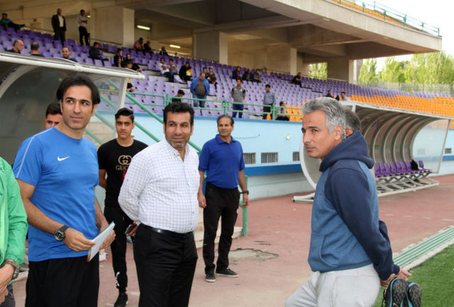 به صعود استقلال خوشبین نیستم/ نتایج چهار تیم ایرانی تلنگری به فوتبال ایران است