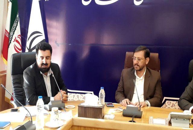 تقویت ارتباط بانکهای دولتی و خصوصی به توسعه شتابان استان کمک میکند