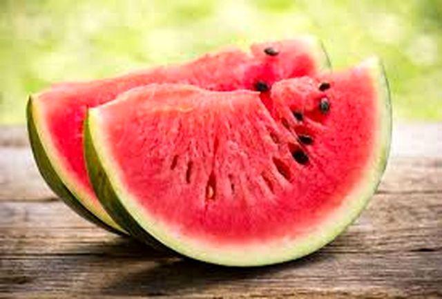 تقویت استخوان ها با دانه های این میوه دو رنگ