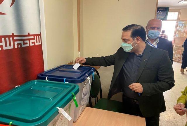 سخنگوی ستاد ملی مقابله با کرونا رای خود را به صندوق انداخت