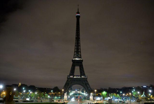 برج ایفل به احترام قربانیان وقایع تهران خاموش میشود