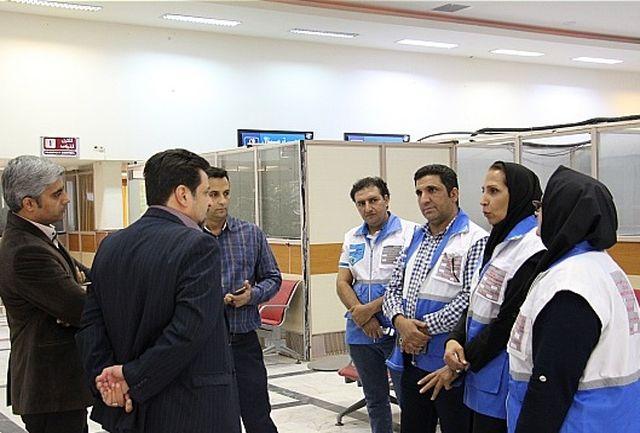 در پایگاه مراقبت بهداشتی مرزی فرودگاه کرمان، مسافران و حجاج به محض ورود به فرودگاه غربالگری می شوند