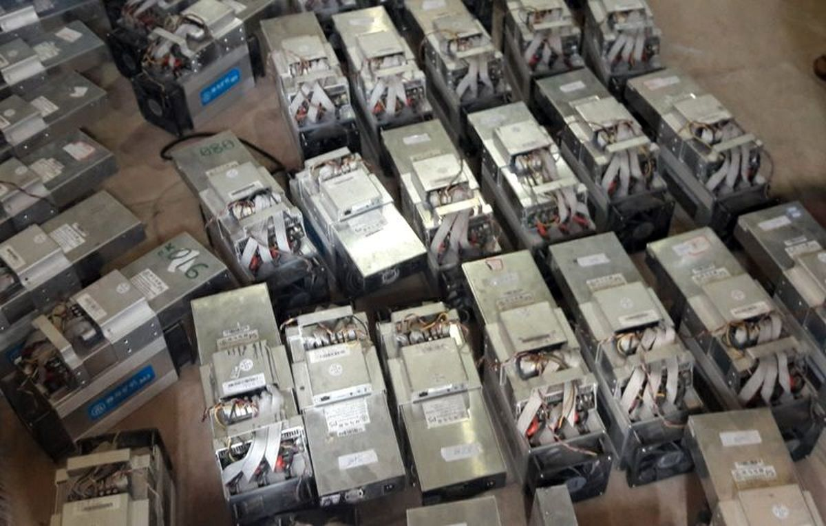 استخراج  ارز دیجیتال در یکی از شرکتهای رشت