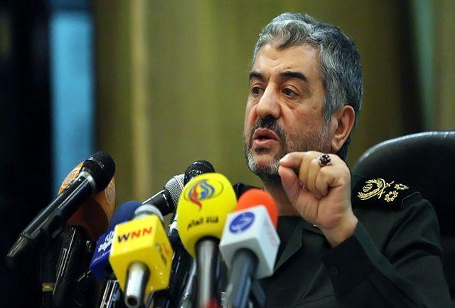 فرمانده سپاه: حرکت مردم غیرقابل توقف است