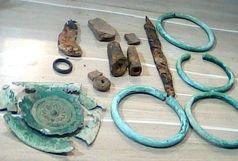 کشف 13 قطعه اشیاء تاریخی