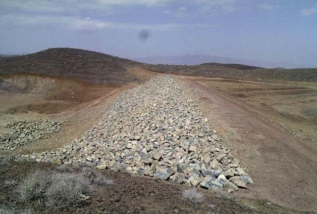 عملیات احداث بند خاکی در شهرستان میناب پایان یافت
