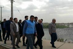 بازدید وزیر ورزش و جوانان از استادیوم آب گرفته غدیر اهواز/ ببینید