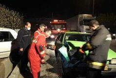 نجات ۴ سرنشین محبوس در حادثه برخورد ۲ دستگاه خودروی سواری