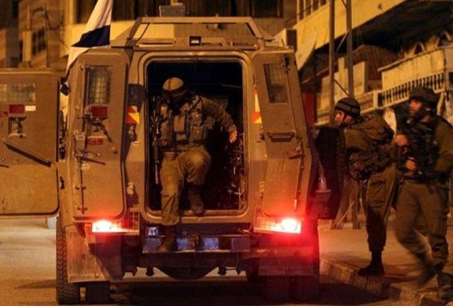 حمله به منزل و دفتر نماینده و بازداشت 12 نفر