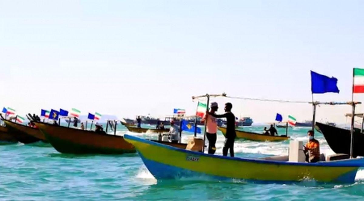 رژه بزرگ شناوری بسیج دریایی برگزار شد