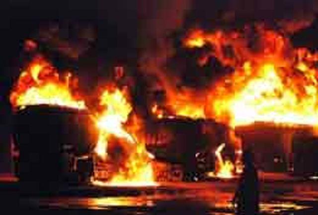 خودروی فوق لاکچری در بزرگراه منفجر شد/ مردم از ترس شوکه شدند