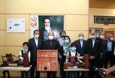 تجلیل از کم سنترین خراطان ایرانی