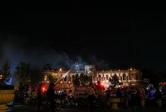 میدان حسن آباد تهران در محاصره آتش/ صرافی بانک صادرات و تعدادی انباری و فروشگاه طعمه حریق شد + فیلم