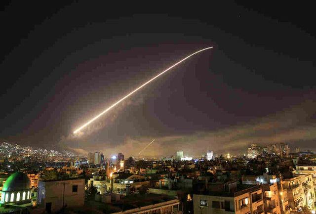 """سرنگونی یک """"شیء پرنده"""" از سوی پدافند هوایی دمشق"""