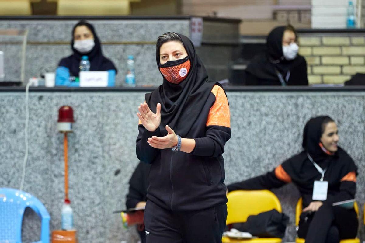 هاشمی: با 13 بازیکن به تایلند میرویم/ شناختی از حریفان نداریم