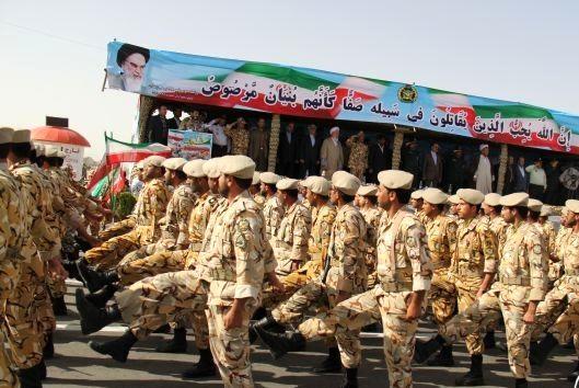 نمایش اقتدار نیروهای مسلح سیستان وبلوچستان در روز ارتش