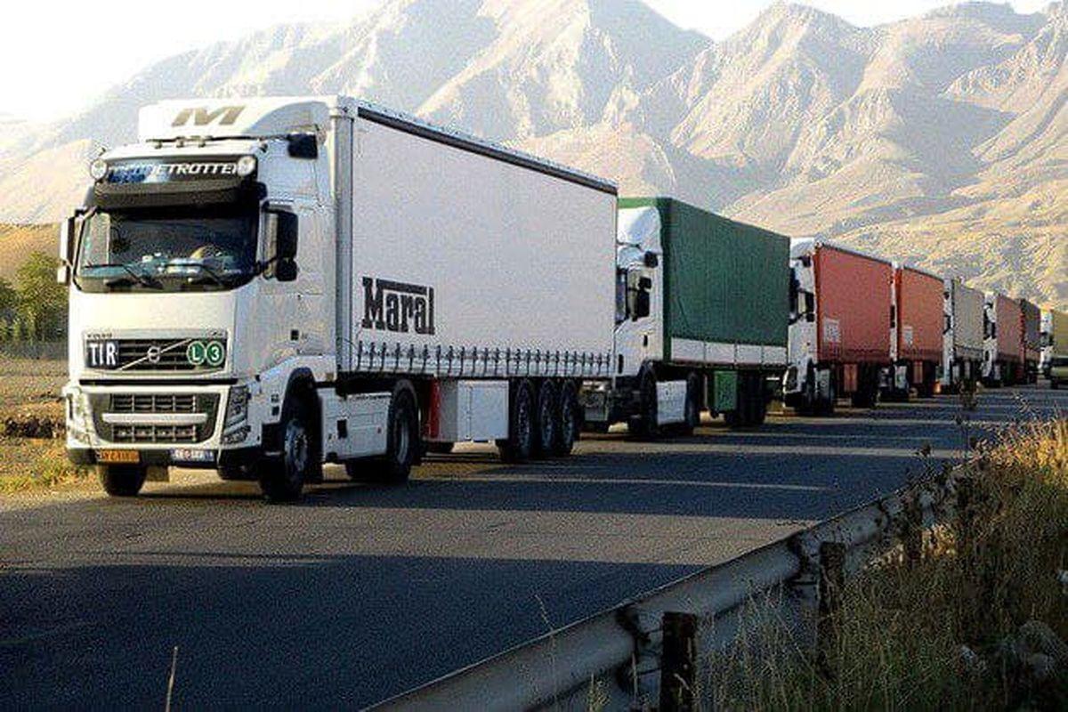 افزایش ۸۵ درصدی تردد ناوگان باری از پایانههای مرزی استان آذربایجانغربی در نیمه نخست سال جاری