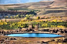 دریاچه تخت سلیمان کجاست؟ +تصاویر