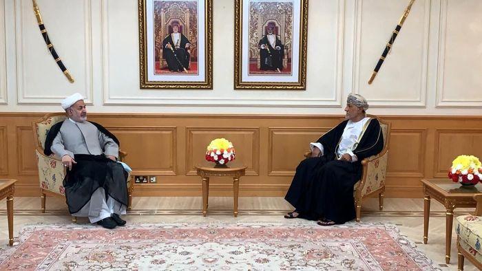 قدردانی سلطان عمان از تلاشهای سفیر ایران در جهت تقویت روابط دوجانبه