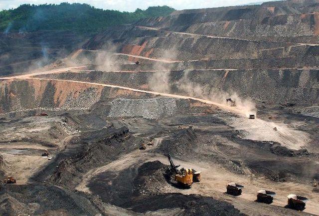 آزادسازی بیش از ۲۰۳ هزار کیلومتر مربع از مساحت معدنی کشور