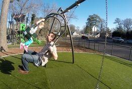 کمبود پارک بزرگسالان در شهرها/ بزرگترها هم نیاز روحی به تاب و سرسره دارند