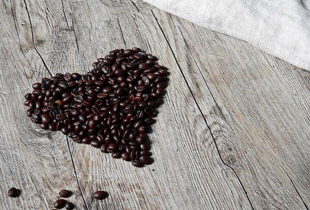 10 روش ابراز عشق و علاقه به همسرتان