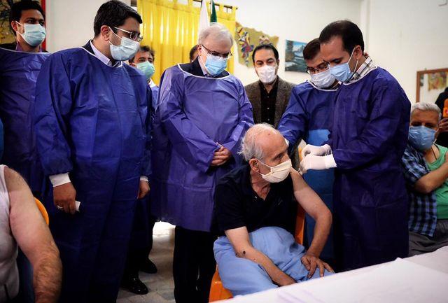 ۲۰ هزار سالمند و معلول از فردا واکسن کرونا را دریافت می کنند
