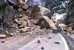 ریزش کوه باعث مسدود شدن جاده محور اردبیل به سرچم شد