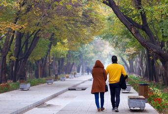 پاییز خلوت اصفهان در محدودیت های کرونایی