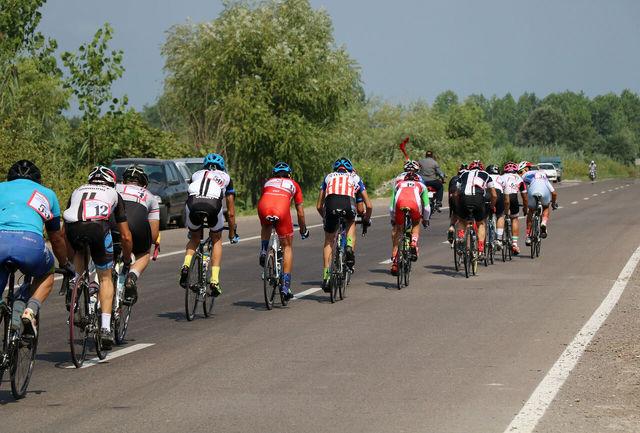 سومین دوره مسابقات دوچرخه سواری گیلان در انزلی برگزار شد