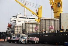 پهلوگیری همزمان چهار کشتی شکر، روغن و برنج در بندر شهید رجایی