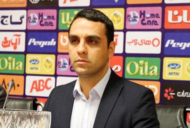فتاحی: باشگاه استقلال به هواداران فوتبال احترام بگذارد