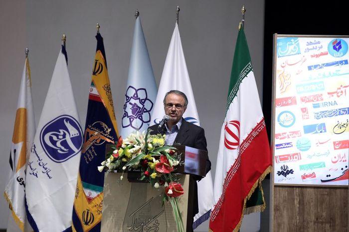 تامین امنیت و آزادی اصحاب رسانه وظیفه حاکمیت است / برنامه های استان را به نقد خبرنگاران خواهیم گذاشت