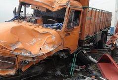 برخورد مرگبار یک اتوبوس و 2 کامیون