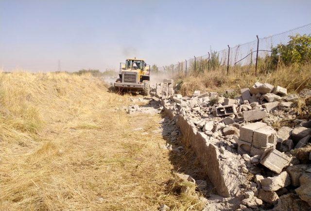 2700 مترمربع از حریم و بستر تالاب دریابک آزادسازی شد